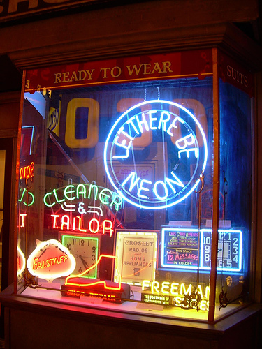 Store window neon repair